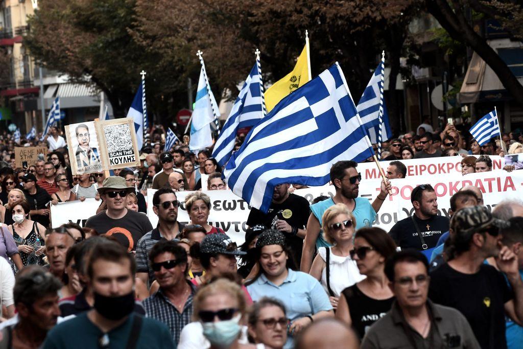 Tausende Griechen demonstrieren gegen Impfpflicht für Gesundheitskräfte