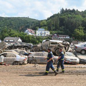 Gigantische Trümmermengen in Hochwassergebieten bringen Entsorger an Grenzen