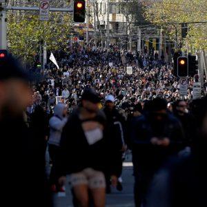 Armeekräfte und Hubschrauber: Sydney setzt restriktiv Corona-Ausgangssperre durch und verhindert Proteste