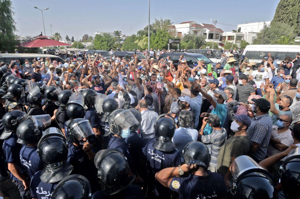 Internationale Sorge um Tunesiens Demokratie nach Entmachtung von Regierung