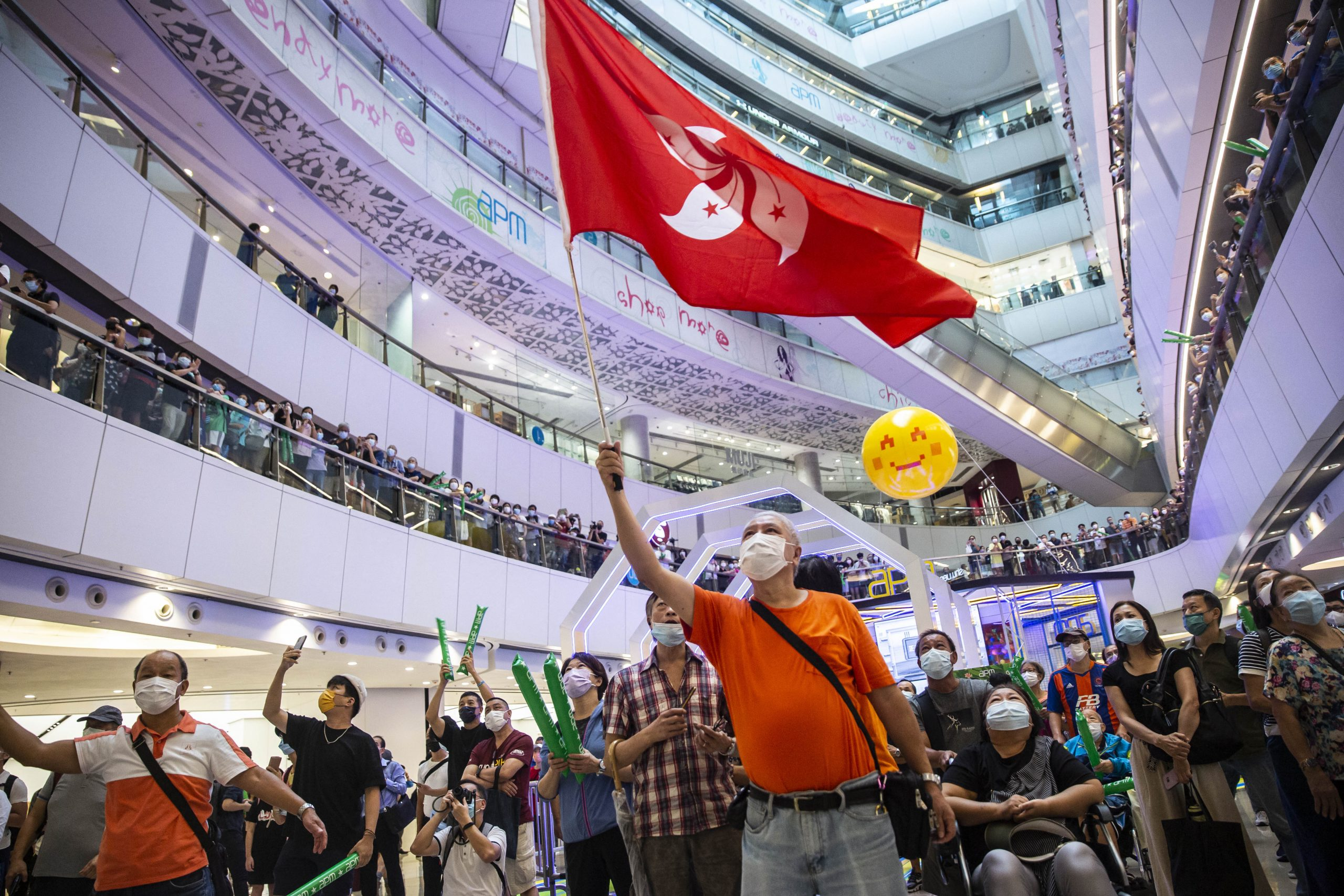 Kritische Gesänge über KP Chinas: Polizei in Hongkong geht gegen Olympia-Fans vor