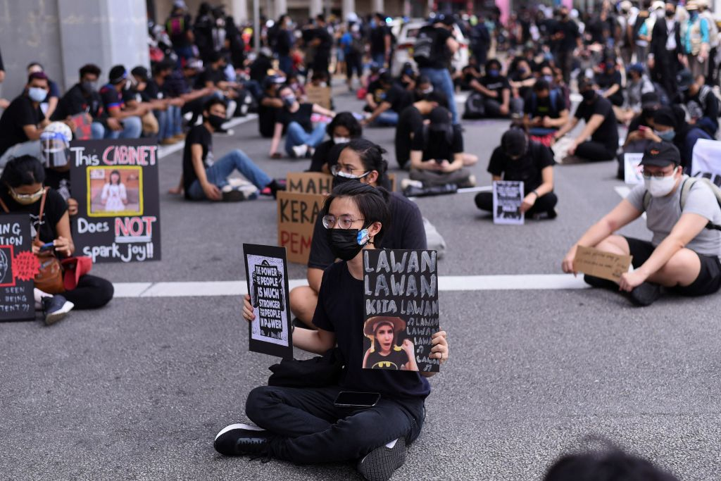 Hunderte protestieren in Malaysia trotz Corona-Restriktionen gegen Regierung