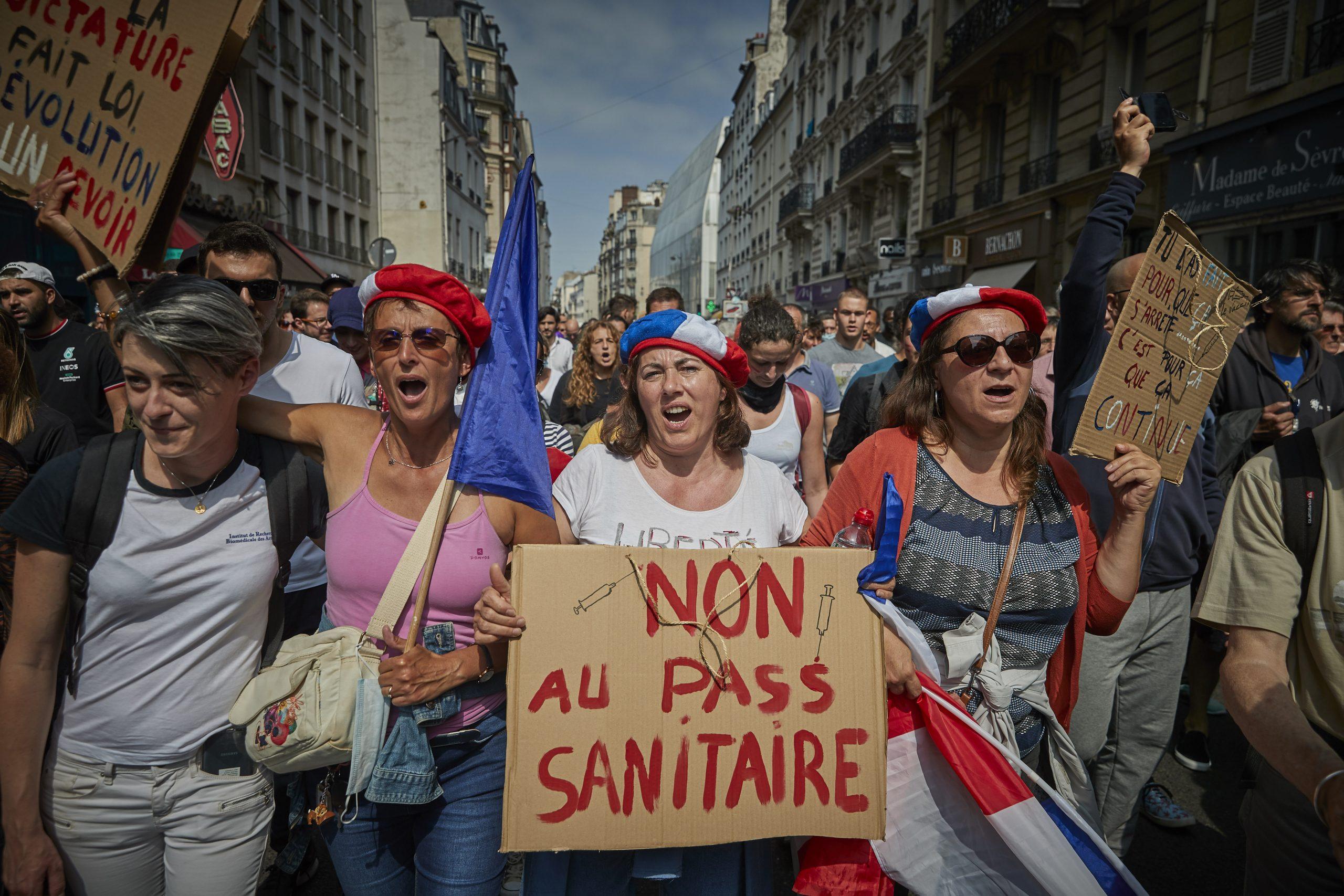 Über 100.000 Demonstranten: Proteste in ganz Frankreich gegen neue Corona-Maßnahmen