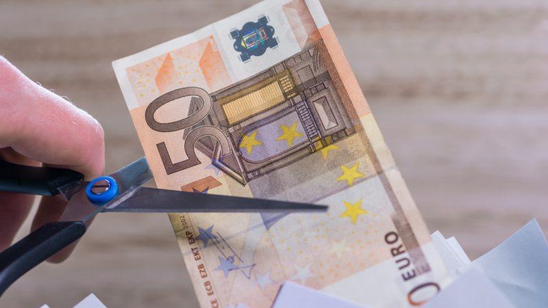"""Banken in der Krise: Kunden sollen mehr zahlen – Negativzinsen, Strafzinsen, """"Verwahrentgelt"""""""
