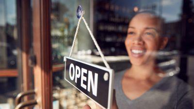 850.000 neue Jobs im Juni – Lockerung der Corona-Beschränkungen gibt Wirtschaft Auftrieb