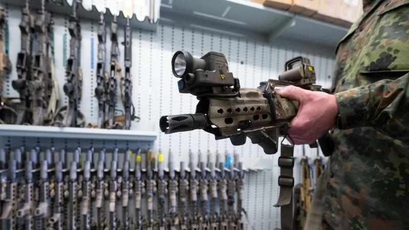 Sturmgewehr-Auftrag: Kartellamt kritisiert Beschaffungsamt der Bundeswehr