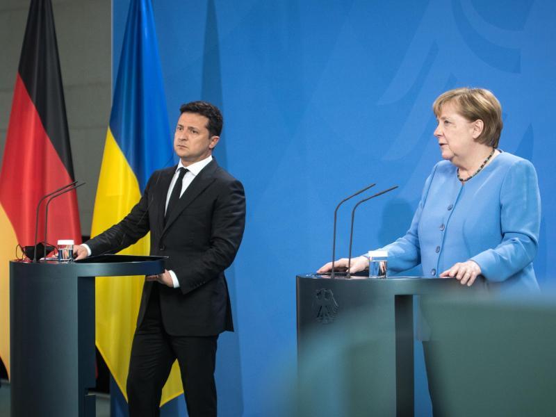 Dauerstreit um Nord Stream 2: Merkel skeptisch zu Pipeline-Lösung