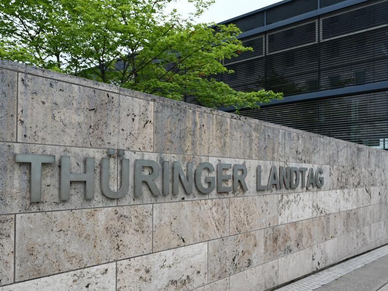 Linke und Grüne lassen Auflösungsantrag für Thüringer Landtag fallen