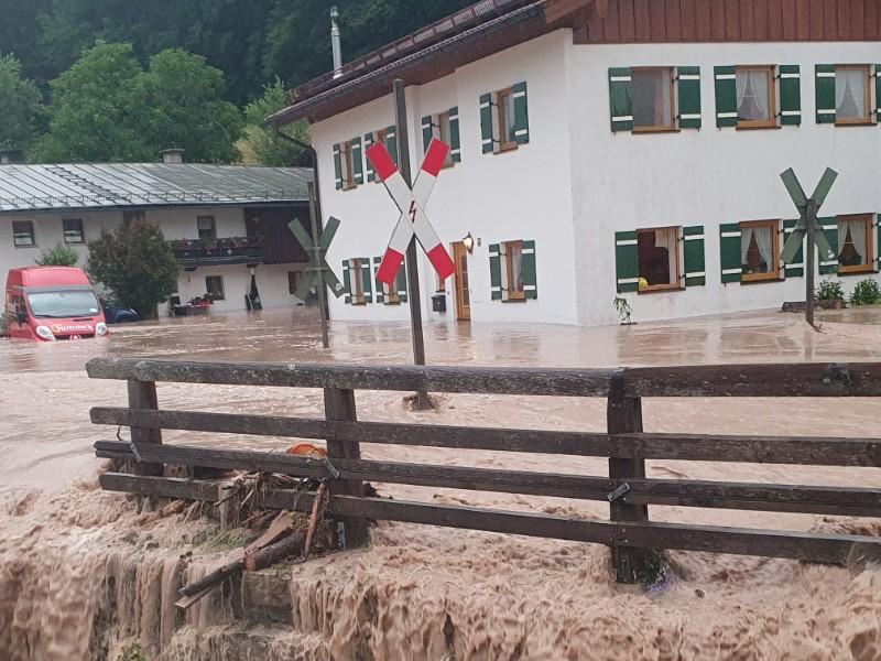 Katastrophenfall ausgerufen: Unwetterdesaster weitet sich nach Oberbayern und Sachsen aus