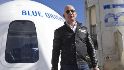 Bezos bereitet sich auf Kurztrip ins All vor