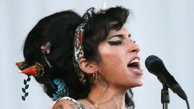 Fans gedenken Amy Winehouse am zehnten Todestag
