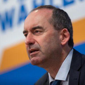 """""""Persönliches Freiheitsrecht"""": Freie-Wähler-Chef verteidigt Impfweigerung"""