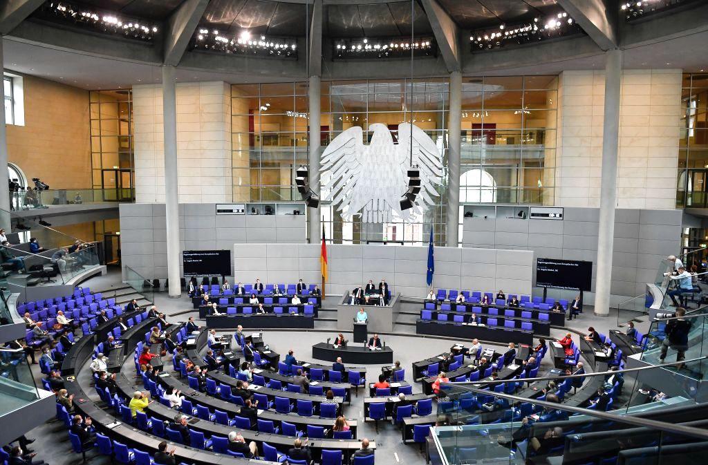 """Bundestag stimmt über Verlängerung der """"epidemischen Lage"""" ab"""