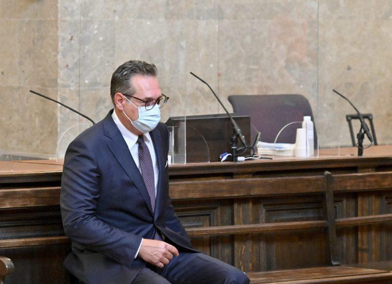 Österreichs Ex-Vizekanzler Strache zu 15 Monaten auf Bewährung verurteilt