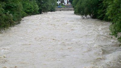 Unwetterfront verursacht teils erhebliche Schäden in Niederbayern