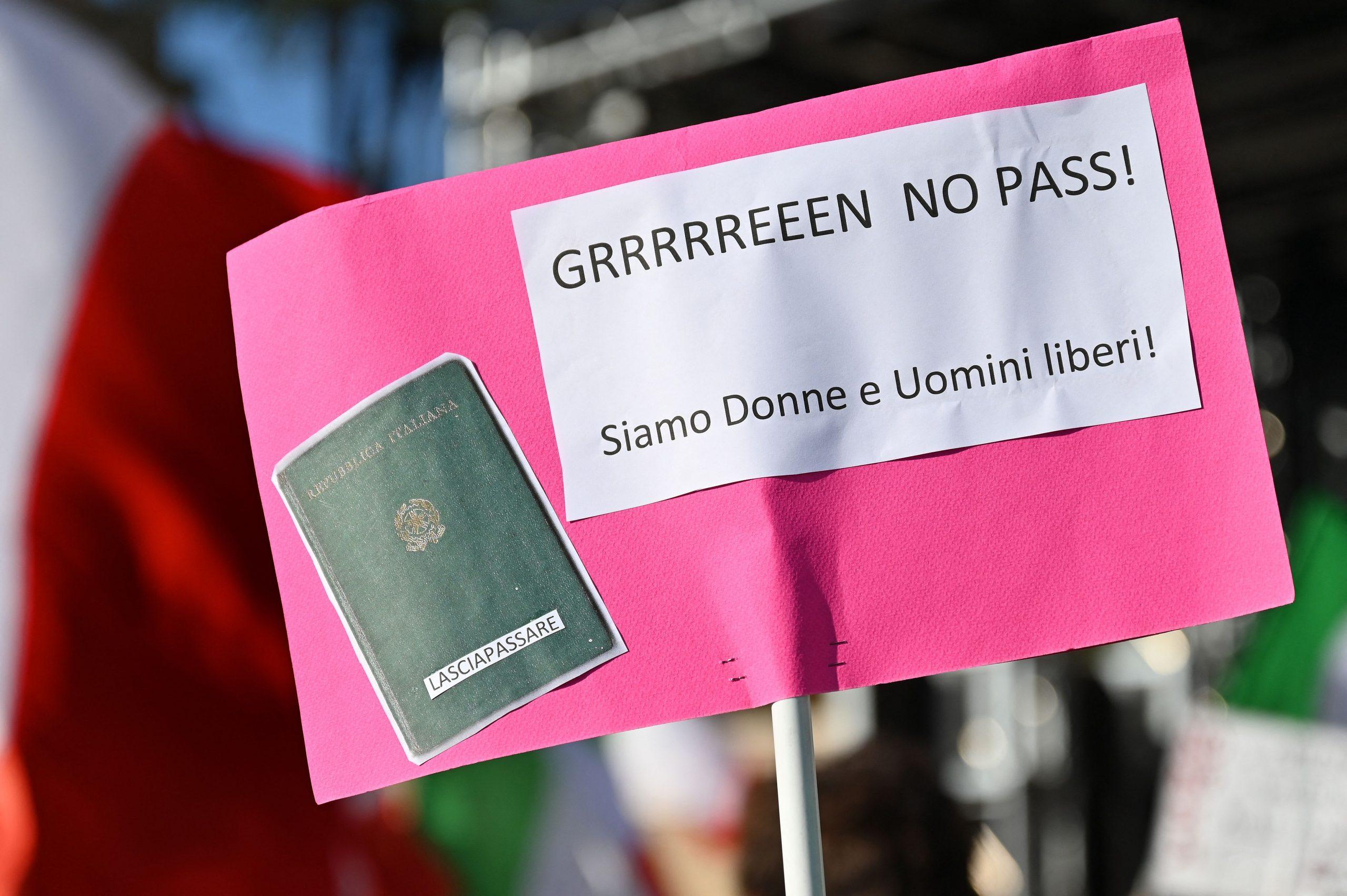 Italienische Polizei zerschlägt Netzwerk hinter gefälschten Gesundheitsnachweisen