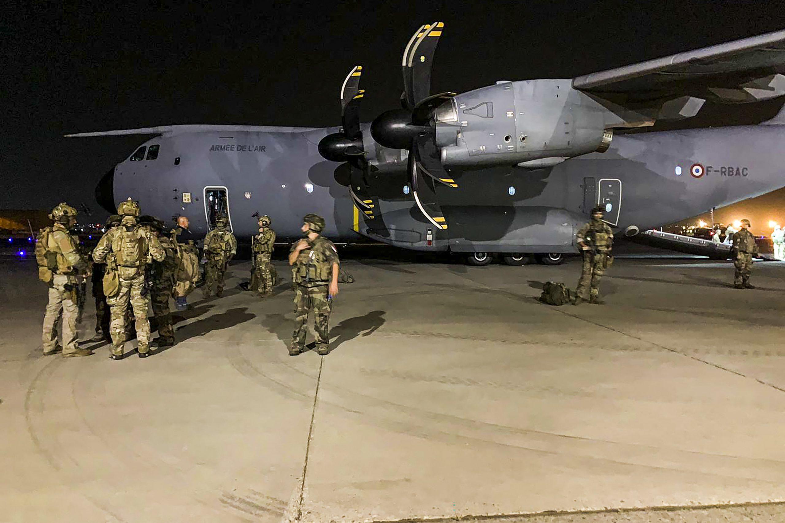 Bundeswehr kann mit erster Maschine nur sieben Menschen aus Kabul ausfliegen