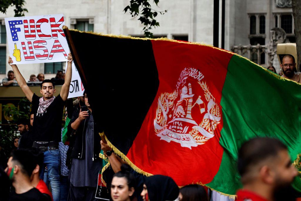 Tausende Menschen demonstrieren in London gegen Taliban