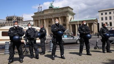 1. August: Polizeigewalt auf Corona-Demos in Berlin bislang folgenlos