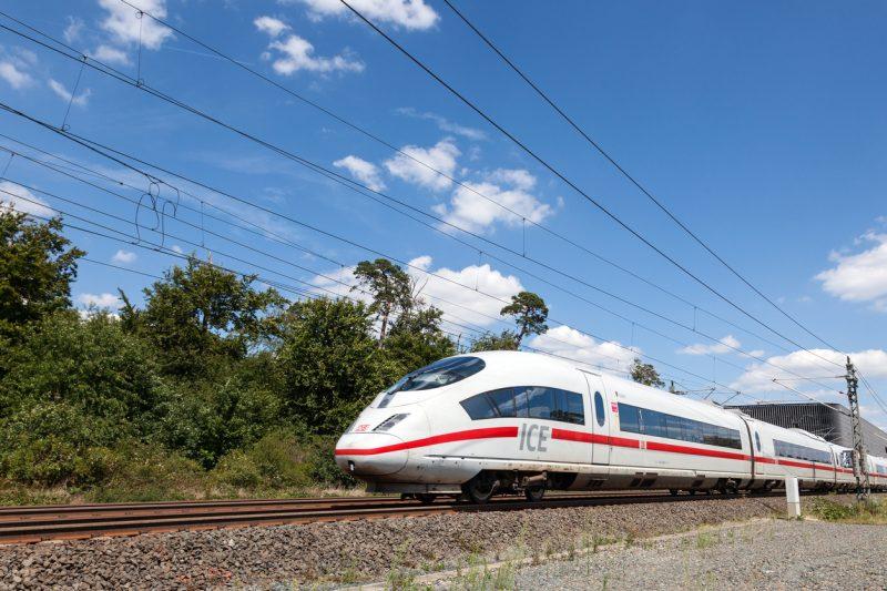 Mehr Sprinter-Züge sollen Kunden aus Flugzeugen holen