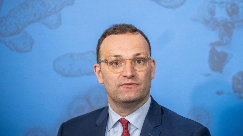 """Spahn erwägt Auffrischungsimpfung für Bürger – Lauterbach befürchtet mehr """"Durchbruchinfektionen"""""""