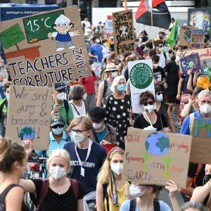 """""""Die Klimakrise eskaliert"""" – Klimastreik von Fridays for Future in rund 500 Gemeinden"""