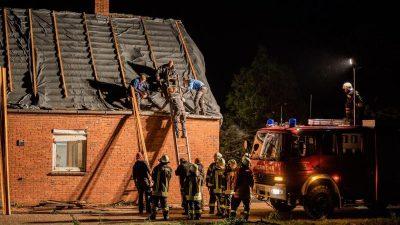 Heftiger Sturm in Ostfriesland beschädigt Häuser
