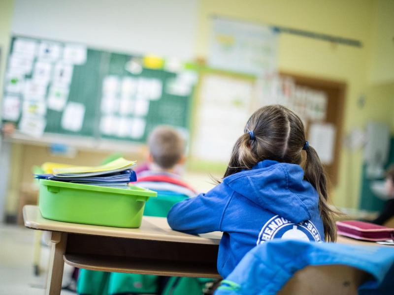 Sitzordnung kann Freundschaften zwischen Kindern schaffen