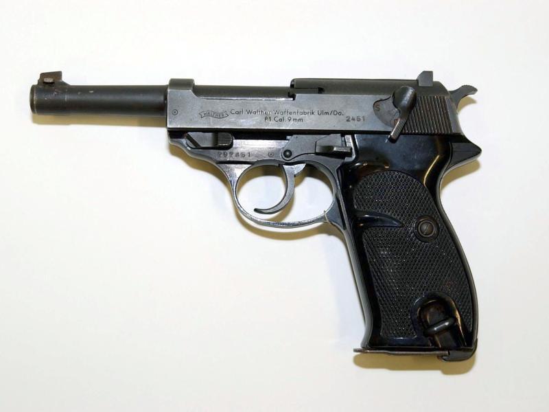 Deutschland lieferte afghanischen Sicherheitskräften 10.000 Pistolen