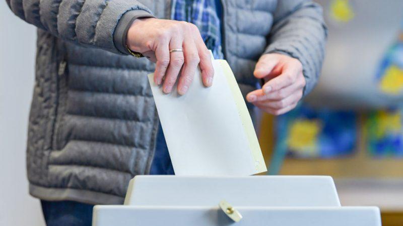 Abgeordnetenhauswahl in Berlin begonnen – Fortsetzung von rot-rot-grün möglich