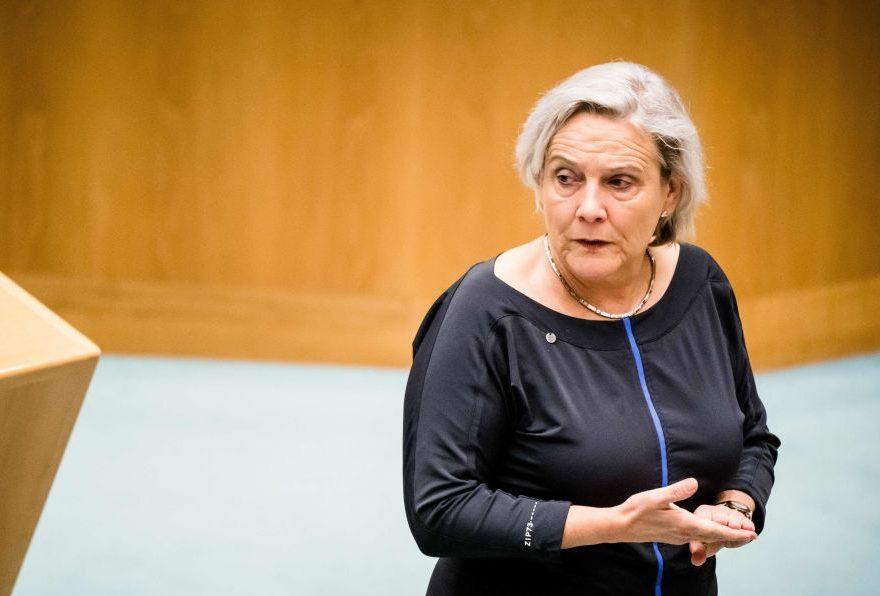 Niederländische Verteidigungsministerin tritt nach Afghanistan-Desaster zurück