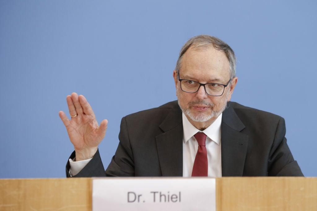 Bundeswahlleiter wegen indirekter Wahlmanipulation verklagt