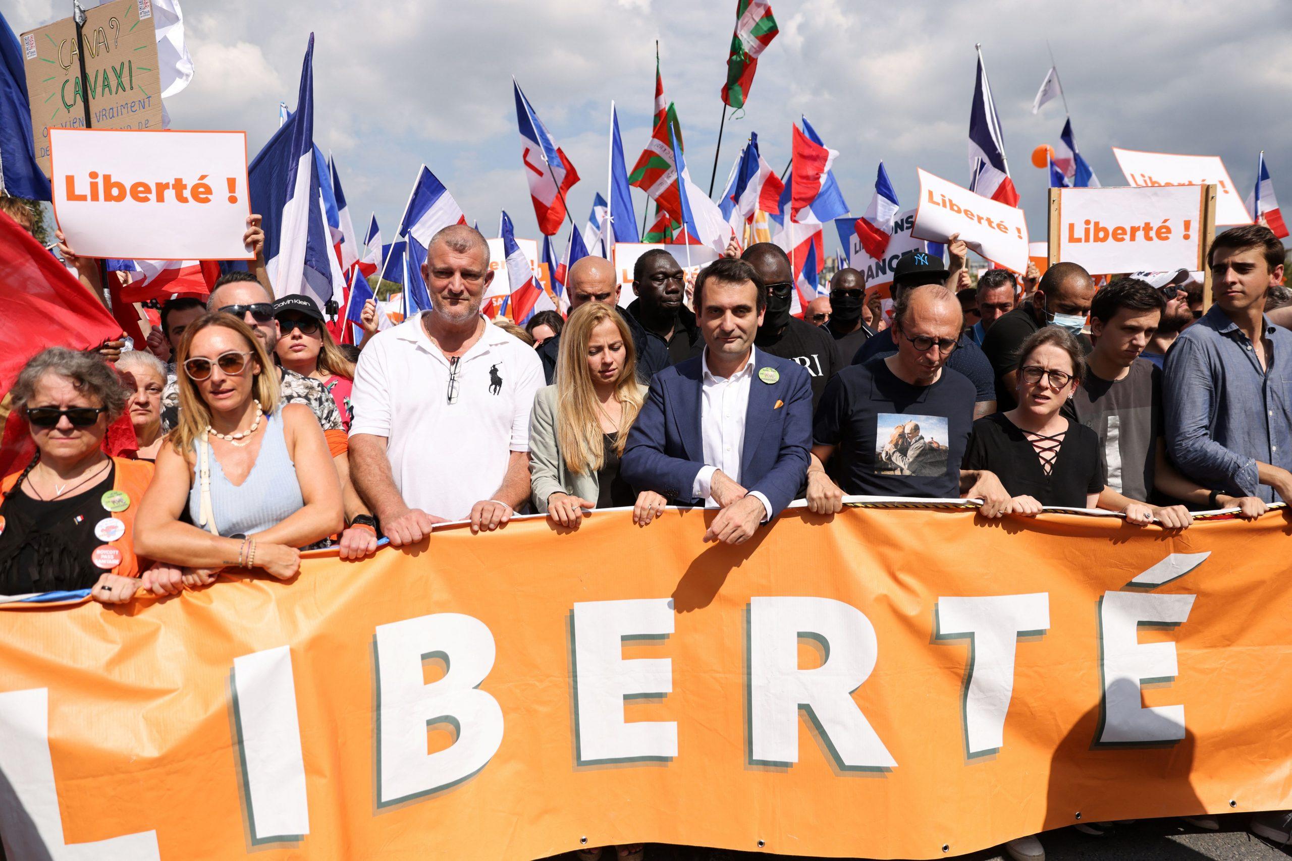 Frankreich: Rund 140.000 Menschen protestieren gegen den Gesundheitspass