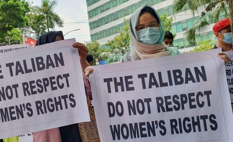 Taliban schlagen harten Kurs gegen Meinungsfreiheit und Frauenrechte ein