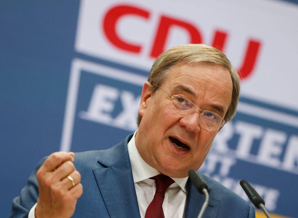 """""""Kennt man sonst nur von populistischen Staaten"""" – Laschet kritisiert Scholz scharf"""
