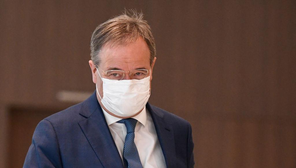 """""""Sie sollten sich schämen"""" – SPD-Generalsekretär bezichtigt Laschet der Lüge"""