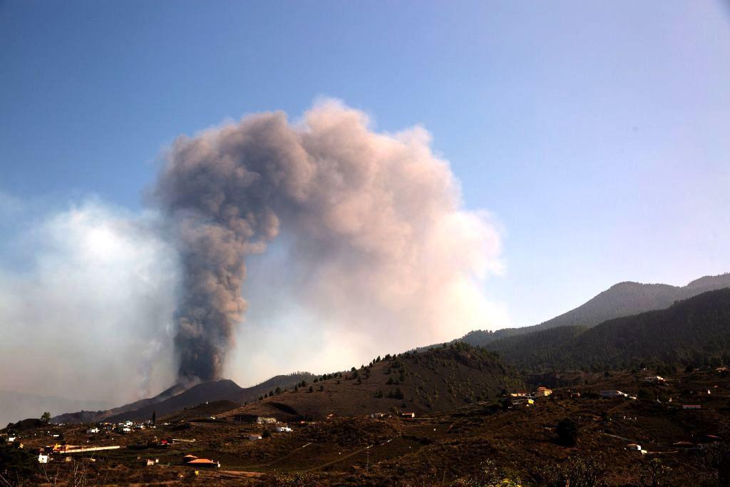 Lavastrom erreicht nach Vulkanausbruch auf La Palma den Atlantik
