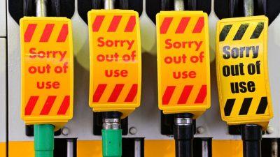 """Benzin-Engpässe an Tankstellen spitzen sich zu – """"Die Menschen sind verzweifelt"""""""