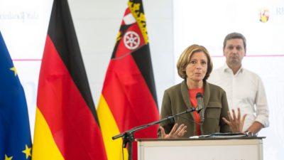 Dreyer wurde von Innenminister Lewentz über Flutkatastrophe im Ahrtal informiert