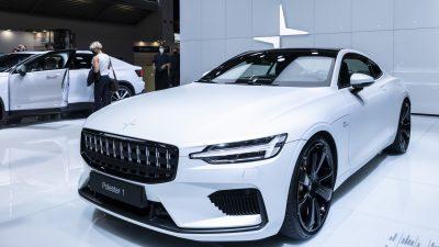 Baerbock kritisiert Auto-Politik der Bundesregierung
