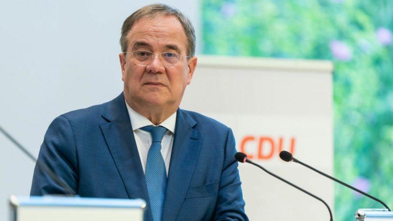 Laschet will im Fall einer Wahl ein Digitalministerium schaffen