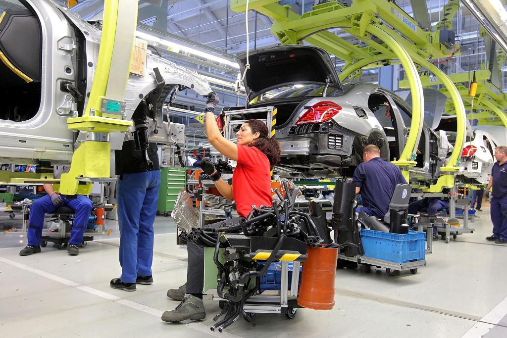 Automobilbranche weiter stark von Lieferengpässen betroffen