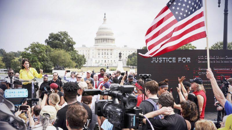 """Kundgebung """"Gerechtigkeit für den 6. Januar"""" verlief friedlich"""