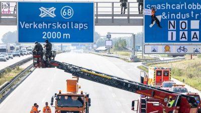 IAA-Gegner nach Blockade von Autobahnen in Präventionshaft
