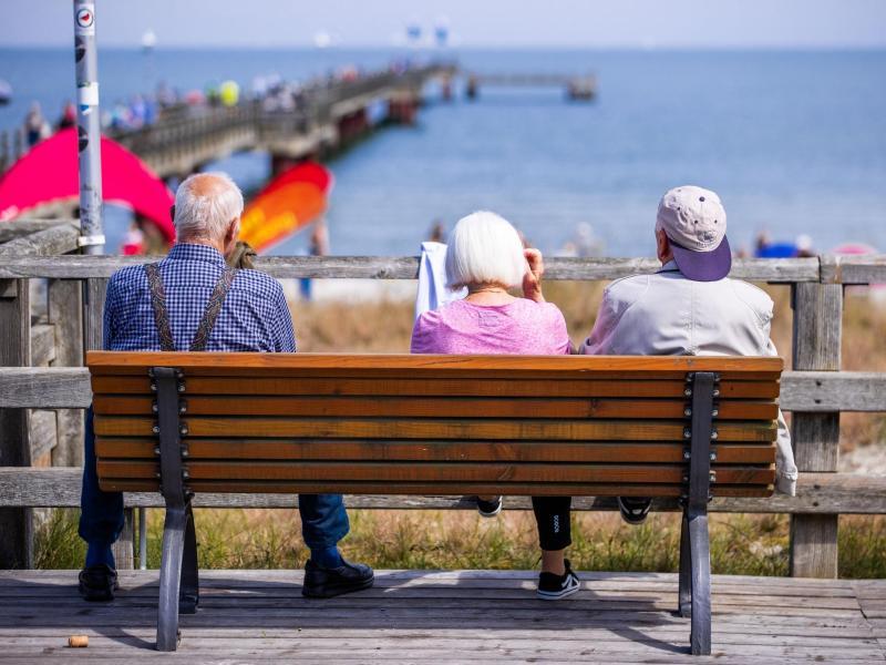 """Rentenversicherung erwartet """"ordentliches Plus"""" für Rentner in 2022"""