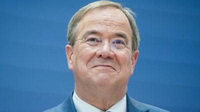 """Reul kritisiert Umgang mit Laschet – """"Mich erschüttert das"""""""