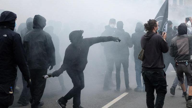 Demo in Leipzig: Linke Spitzenpolitiker distanzieren sich von Ausschreitungen