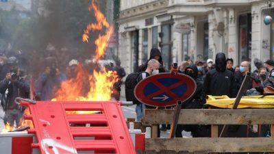 """Brennende Barrikaden und Morddrohung gegen Soko-Chef – """"Dann liegst Du im Kofferraum"""""""