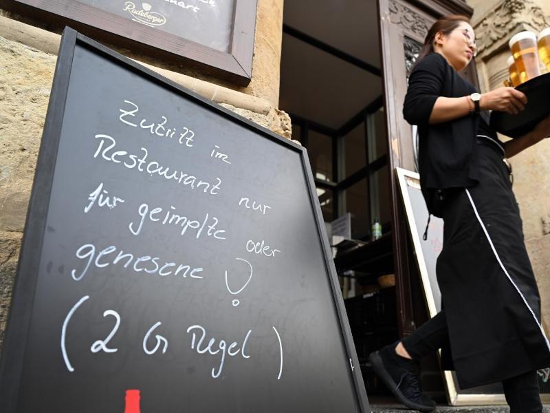 """Hessen-Gericht findet """"Ausschluss von Verkaufsstätten"""" vom 2G-Modell unfair"""
