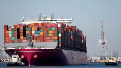 Britische Häfen beklagen Container-Rückstau